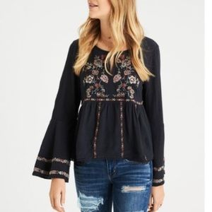 American Eagle gray embroidered top